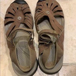 Keen Rose sandals size 11